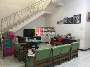 Rumah bagus di tengah kota, jalan Anggrek