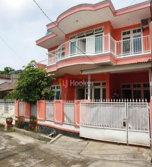 Rumah Besar Strategis dekat Grand Galaxy City Bekasi