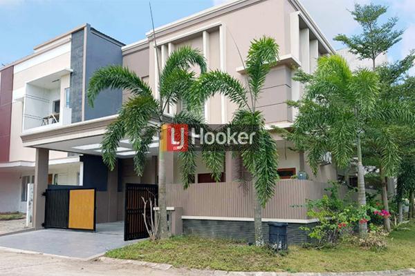 Rumah Hook 2 Lantai Di Taman Golf Residence 2