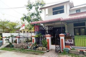 Rumah Hook 2 Lantai Di Perumahan Merapi Subur