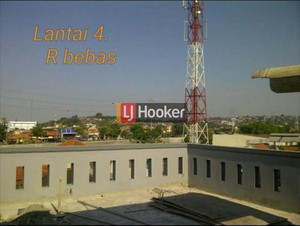Rumah cocok untuk kantor di jalan Jendral Sudirman