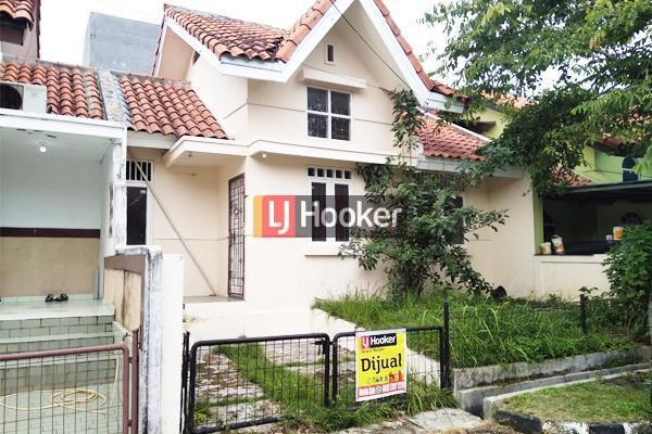 Rumah Cluster Asri Di Taman Dutamas