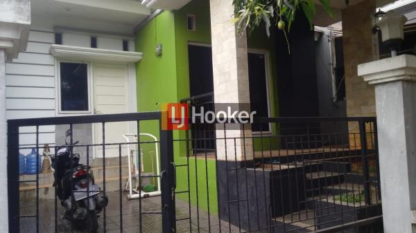 Rumah minimalis di Vila Nusa Indah 5