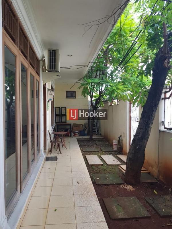 Dijual Rumah Pinggir Jalan Megah Pondok Kopi Jakarta