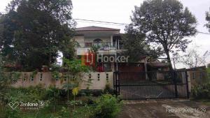 Dijual rumah di telaga kahuripan IDR 3,5 M
